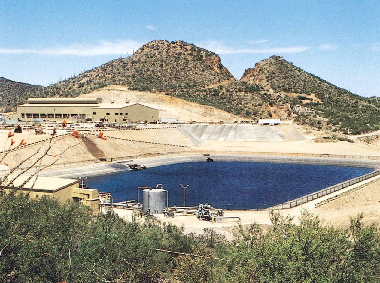 Leachate_Pond_Arizona_mine_1.jpg