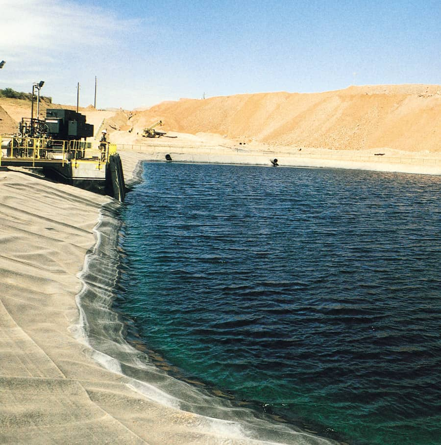 Leachate_Pond_Arizona_mine_2.jpg