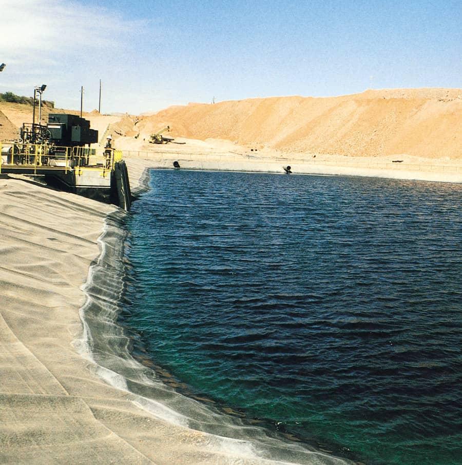 Leachate_Pond_Arizona_mine_2.jpg