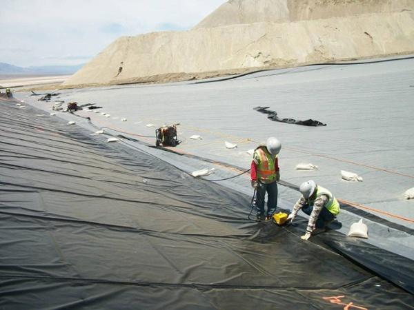 heap leach pad liner